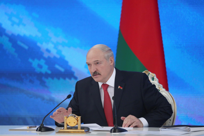 Во время ежегодного послания Александр Лукашенко трижды возвращался к событиям в Армении