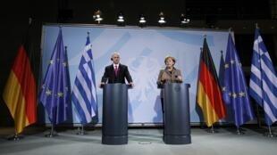 La chancelière allemande Angela Merkel et le Premier ministre grec George Papandréou lors d'une conférence de presse à Berlin, le 5 mars 2010.