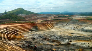 Une mine d'or en République démocratique du Congo, pays d'où provient principalement l'orqui transite par le Burundi.