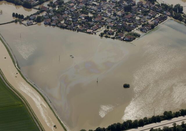 Embora as fortes chuvas tenham acabado, o nível do rio Danúbio continua aumentando.
