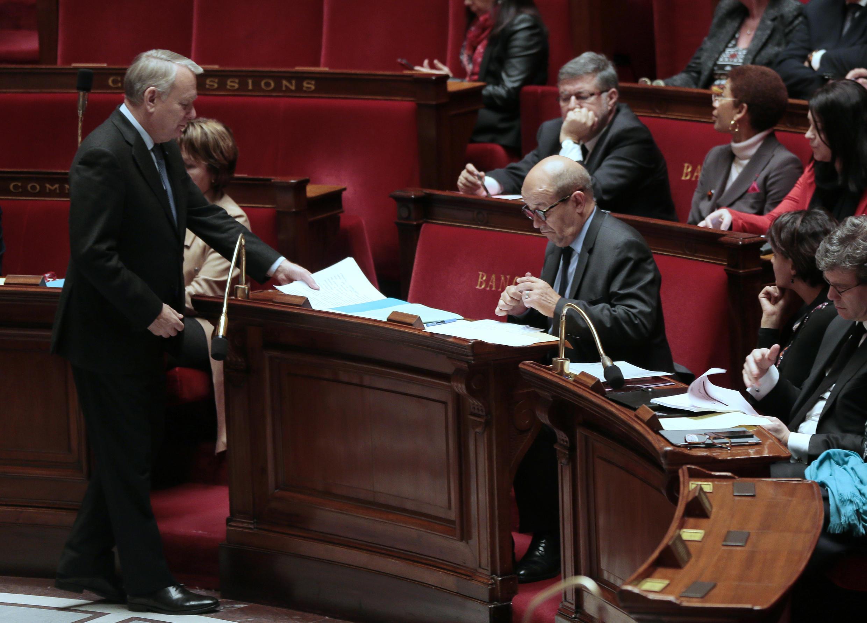 Débat à l'Assemblée nationale française sur le prolongement de l'opération Sangaris, le 25 février 2014.