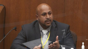 L'agent spécial James Reyerson, interrogé en qualité de témoin, au procès de l'ex-policier Derek Chauvin pour le meurtre de Gorge Floyd, au tribunal du comté de Hennepin à Minneapolis, le 7 avril 2021.