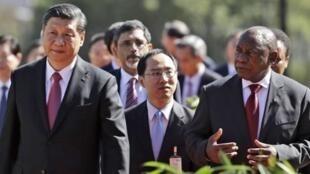 金砖峰会前夕中国国家主席习近于 2018年7月25日平和南非总统西里尔·拉马福萨(Cyril Ramaphosa)举行记者招待会后