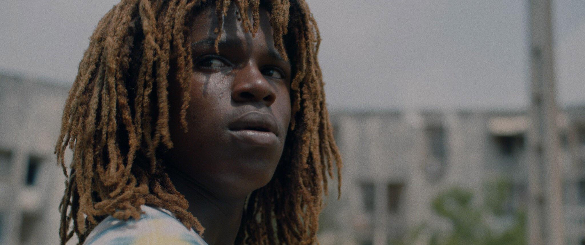 « Rasta », film de Samir Benchikh sur un jeune Rasta en Côte d'Ivoire, présenté aux « Regards d'Afrique » du 42e Festival international du court métrage à Clermont-Ferrand.