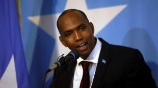 Waziri Mkuu wa Somalia Hassan Ali Khayre ameachishwa kazi akishutumia kwa kutowajibika kushughulikia hali ya usalama.