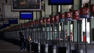 Retiro, le terminal des bus de Buenos Aires, complètement vide le 10 avril 2014.
