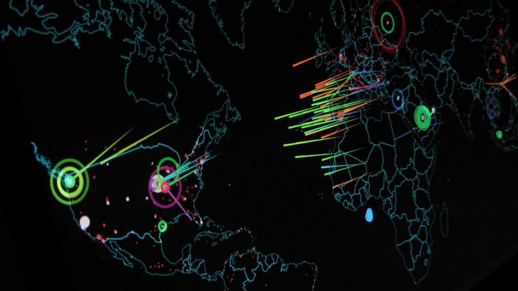 Hình minh họa chụp ngày 13/09/2015 từ trang Norse Attack Map cho thấy những cuộc tấn công thật đang diễn ra trên thế giới.