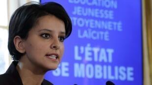 Najat Vallaud-Belkacem  وزیر آموزش ملی فرانسه. ٢٢ ژانویه ٢٠١۵