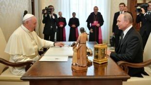 دیدار ولادیمیر پوتین با پاپ فرانسیس