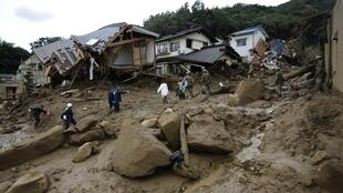 Deslizamentos de terra em Hiroshima, no sudoeste do Japão, já fizeram ao menos 36 mortos nesta quarta-feira (20).