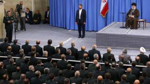 آیت الله خامنه ای، رهبر جمهوری اسلامی ایران در جمع فرماندهان نیروی انتظامی