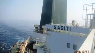 O petroleiro iraniano Sabiti no Mar Vermelho.
