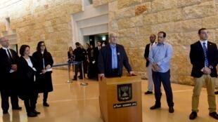 اهود اولمرت، نخست وزیر پیشین اسرائیل، امروز پس از جلسه دادگاه