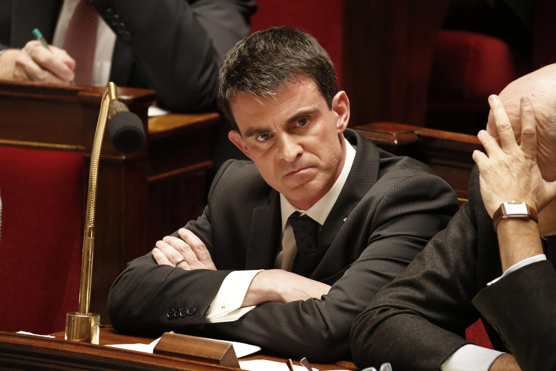 O primeiro-ministro Manuel Valls na Assembleia francesa em 10 de fevereiro de 2015.