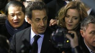 L'ancien président Nicolas Sarkozy aux côtés de Nathalie Kosciusko-Morizet pour son premier meeting des municipales, le 10 février 2014.