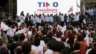 O candidato das Farcs Rodrigo Londono, conhecido como Timochenko, durante comício no último sábado em Bogotá.