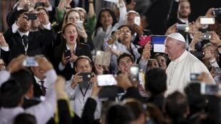 El papa a su llegada al aeropuerto de Ciudad Juárez, 17 de febrero de 2016.