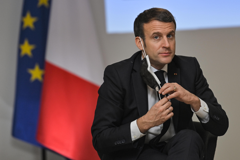 El presidente francés Emmanuel Macron el 5 de enero de 2021 en Tours, Francia central