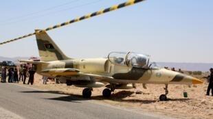 Le L-39 libyen après son atterrissage d'urgence sur le sol tunisien, dans la ville de Beni Khadash, le 22 juillet 2019.