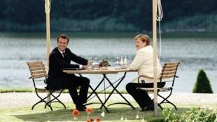 La chancelière allemande et le président français à Meseberg, le 29 juin.