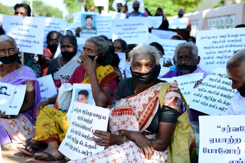 La «commission sur les personnes manquantes» accueille les témoignages des proches des disparus, mais ceux-ci dénoncent son incapacité à poursuivre les responsables de ces enlèvements.