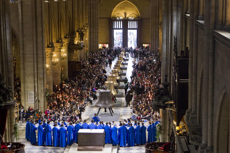 2019-11-29 france notre dame cathedral paris new bells 2013