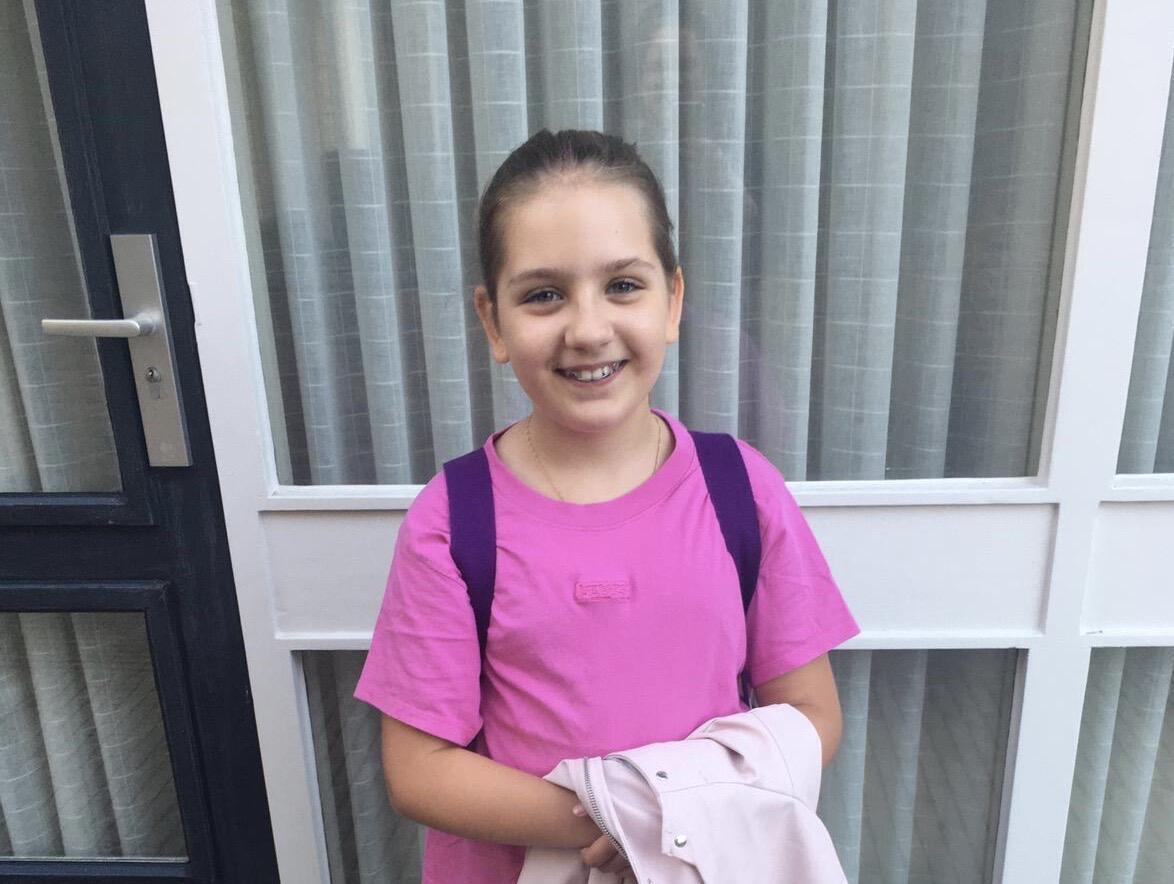 Marina, filha da brasileira Laura Bos, voltou ás aulas presenciais nesta segunda-feira, em Dokkum, na Holanda, para o ano letivo de 2020/ 2021