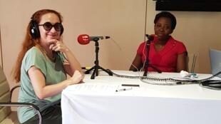 Caroline Paré et le Pr Marie-Josée Tanon-Anoh lors de l'enregistrement de l'émission Priorité Santé.