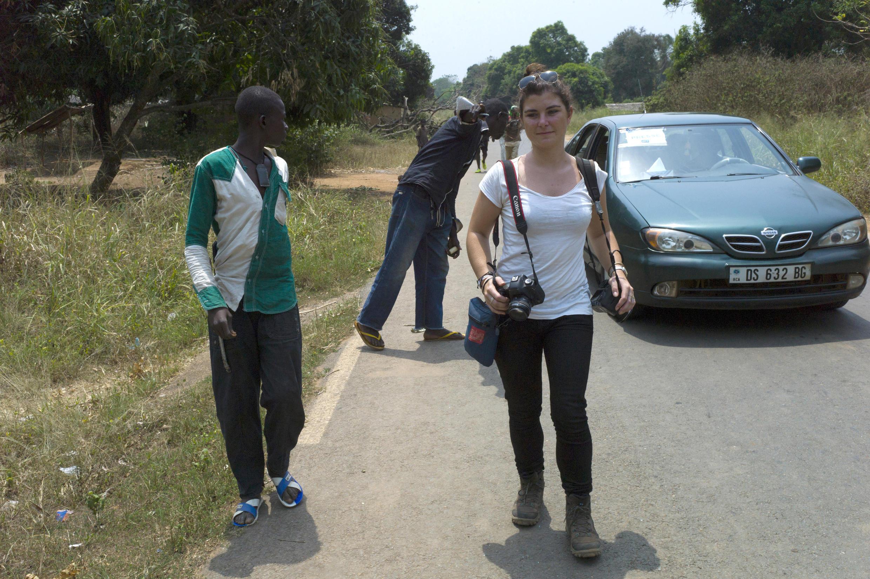 被害法國記者Camille Lepage2014年2月21日在中非共和國首都班吉以北70公里的Damara 的留影.