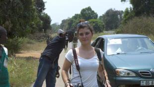 Phóng viên nhiếp ảnh Camille Lepage nhân một chuyến công tác tại Bangui 02/2014 - AFP / FRED DUFOUR