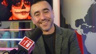 Miguel Vaylon en los estudios de RFI