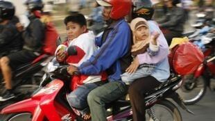 La décentralisation transforme la vie des Indonésiens qui rèvent désormais de s'acheter des produits autrefois inaccessibles comme les motos.