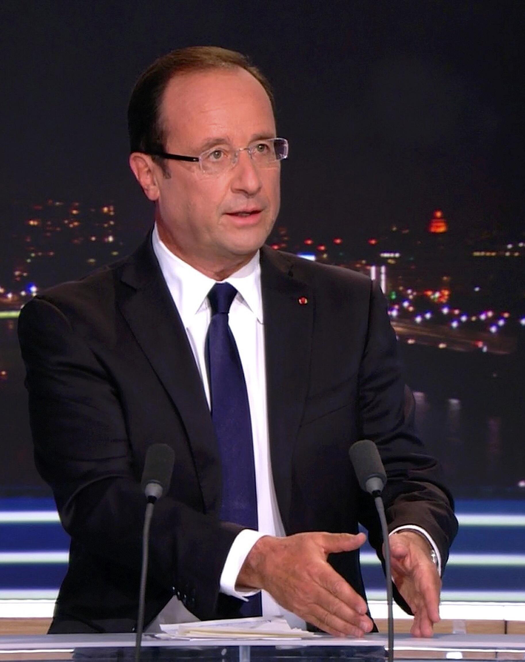 O índice de popularidade do presidente francês, François Hollande, caiu 11 pontos em um mês.