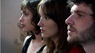 Anaïs Demoustier, Sophie Verbeeck et Felix Moati, dans le film «A trois on y va», de Jérôme Bonnell.