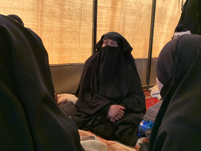 Femmes jihadistes originaires du Daguestan. Acculées, elles se sont rendues aux forces kurdes après la mort ou la capture de leurs époux.