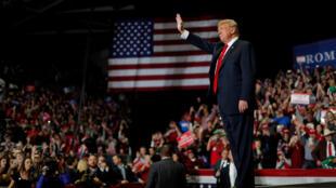 Tổng thống Mỹ Donald Trump lúc vận động bầu cử ở bang Missouri, 05/11/2018.