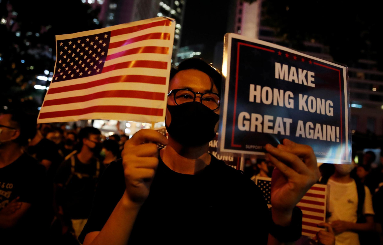 港民參加集會,呼籲美國國會眾議院通過《香港人權與民主法案》。