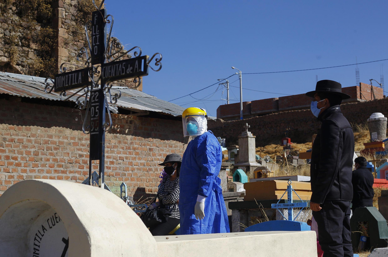 Com 33 milhões de habitantes, o Peru registra mais de 478 mil casos e supera os 21 mil óbitos por coronavírus.