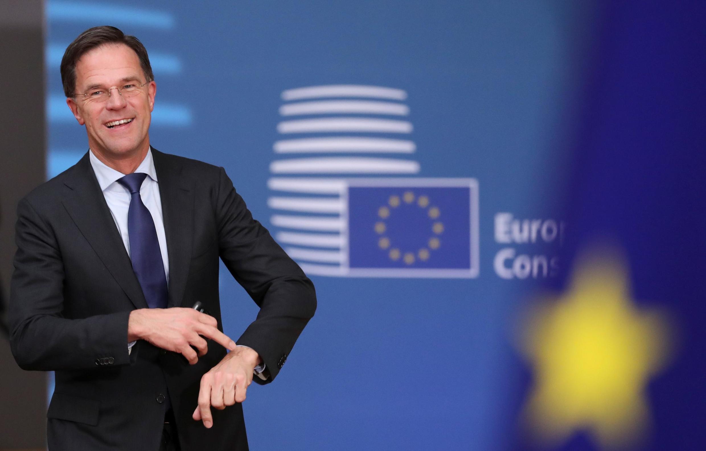 O primeiro-ministro Mark Rutte se nega a fechar as fronteiras da Holanda para combater o Covid-19.