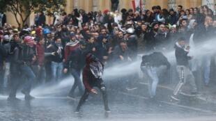 Masu zanga-zangar Lebanon.