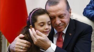 A garota síria Bana Al Abed foi recebida nesta quarta-feira, 21 de dezembro de 2016, pelo presidente turco Recep Erdogan.