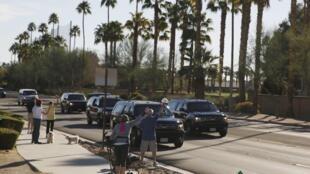 Đoàn xe của tổng thống Mỹ Barack Obama đến Ranch Mirage, California, nơi diễn ra thượng đỉnh Mỹ - ASEAN.