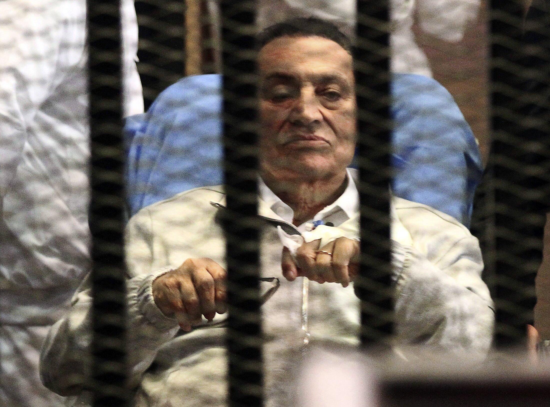 Cựu Tổng thống Ai Cập bị lật đổ Hosni Moubarak trong trại tạm giam của Học viện Cảnh sát, nằm ở ngoại ô Cairo. Ảnh chụp ngày 15/04/2013.