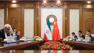 دیدار محمدجواد ظریف، وزیر امور خارجه ایران با همتای چینی خود در پکن. جمعه ٢٧ اردیبهشت/ ١٧ مه ٢٠۱٩