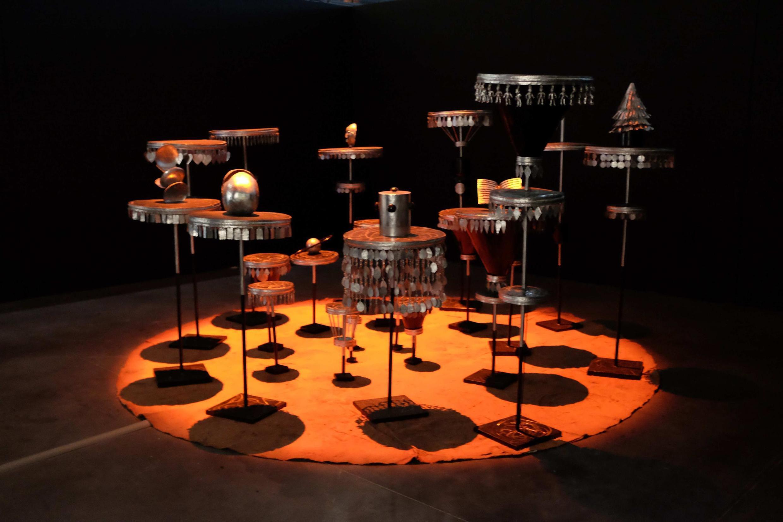 Ati okuku de imolé (De l'invisible au visible), œuvre de l'artiste béninoise Eliane Aisso, présentée au « Panorama 21 » du Fresnoy.