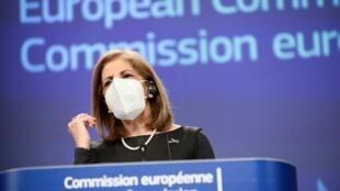 Le processus devrait être simplifié pour les fabricants qui travaillent sur les nouveaux variants et dont le vaccin de base a déjà été approuvé par l'Union européenne, a indiqué Stella Kyriakides, la commissaire européenne à la santé.