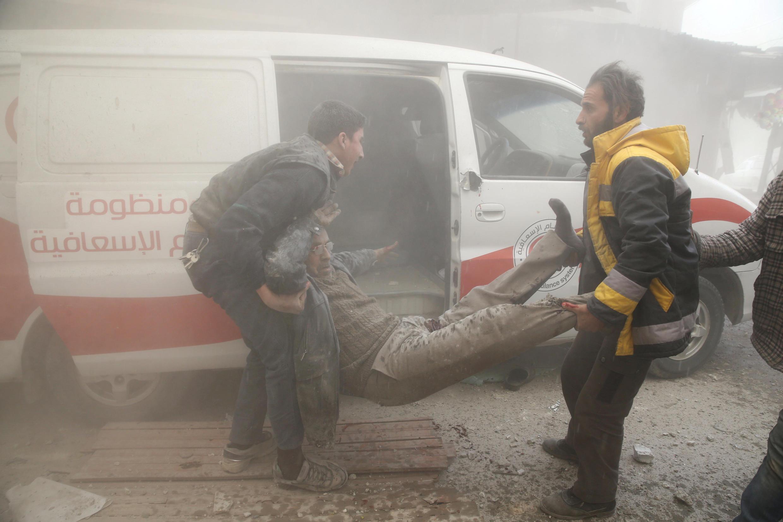 Guta Oriental: bombardeios que não poupam a população civil.