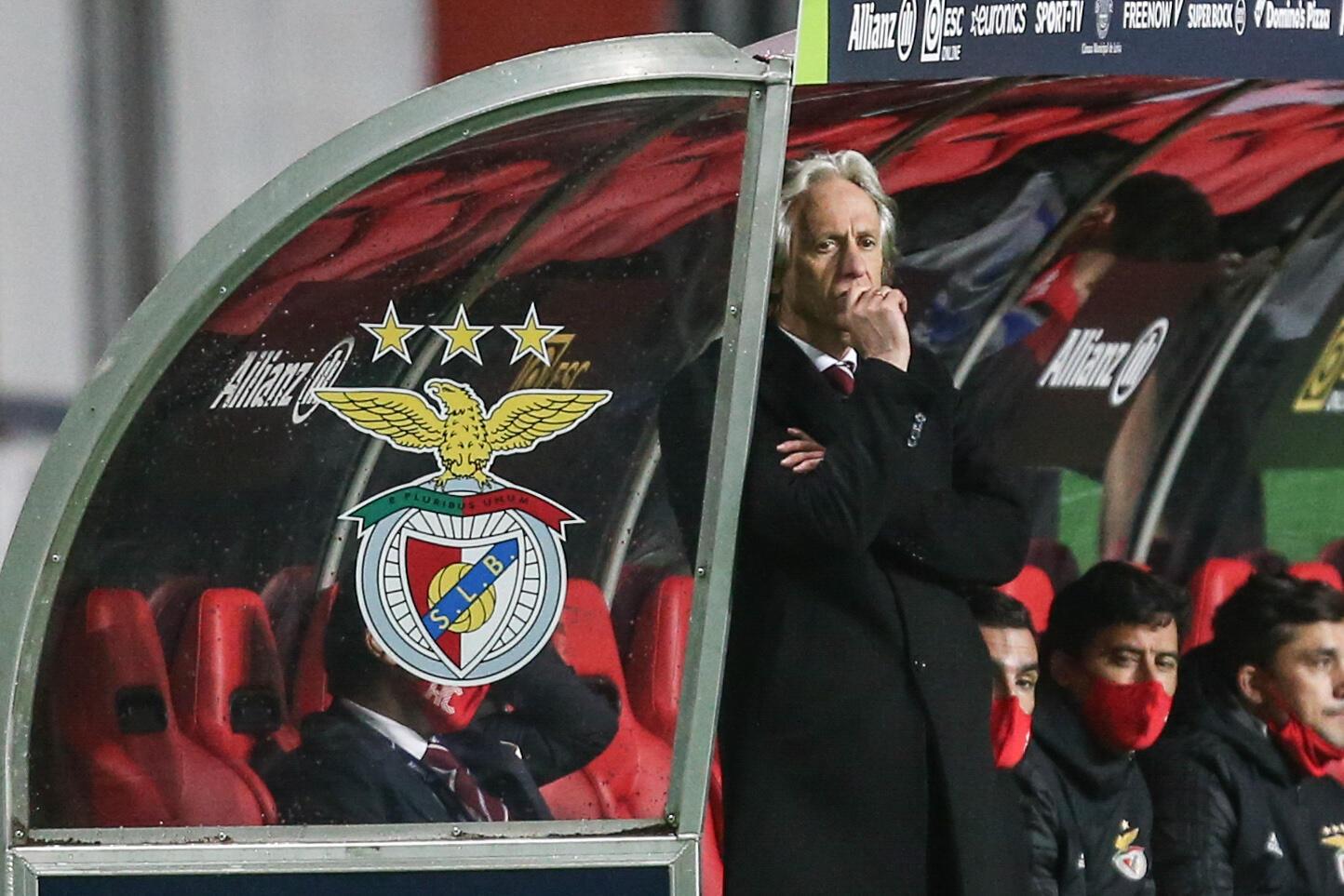 Jorge Jesus (centro), treinador do SL Benfica.