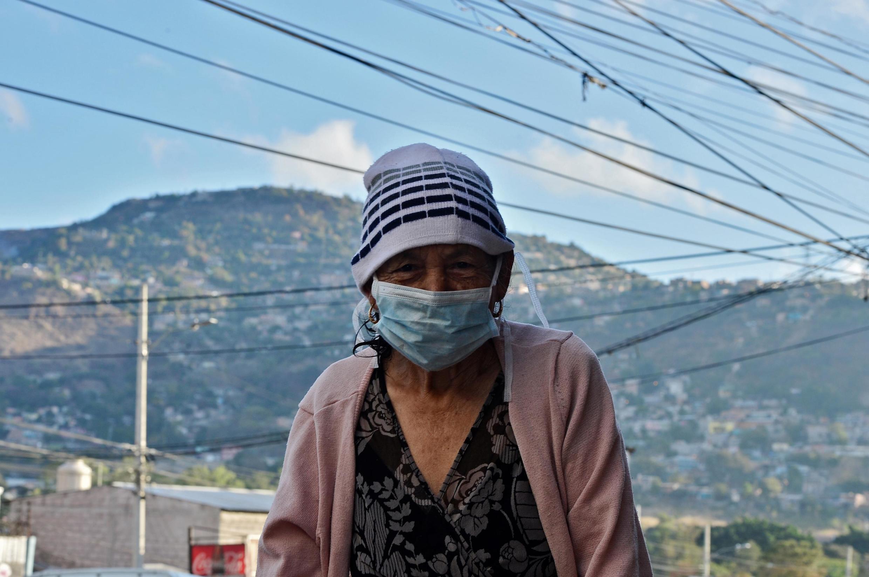 La pandémie du nouveau coronavirus frappe le monde entier. Plus de 10 000 morts ont été recensés et près de 250 000 personnes contaminées.