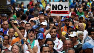 Protestos contra o governo tomam conta das ruas da Venezuela.